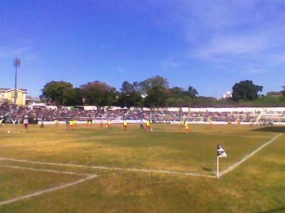 Jogadores da Portuguesa Londrinense no aquecimento