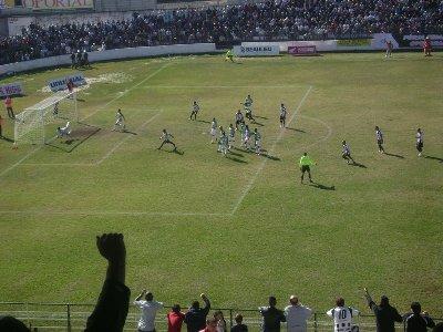 Gol de Ratinho, cobranco falta, estufando a rede.