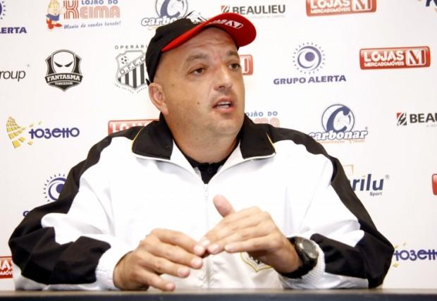 Foto: Gamarra quer time com 100% de sua capacidade já para a estreia em Ponta Grossa pelo Brasileiro
