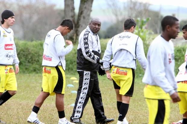 Foto: Nem o frio desanimou os jogadores no treinamento de ontem