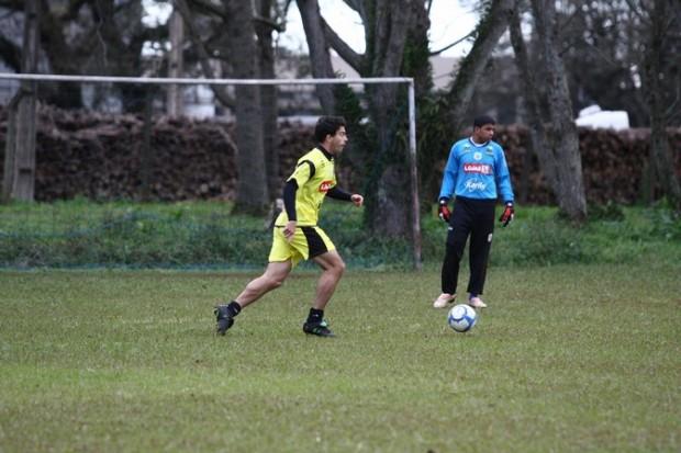 Foto: JUNTO De Lazzari defendeu o Operário na segunda divisão estadual e hoje atua pelo clube no Campeonato Brasileiro
