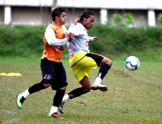 Foto: Dario ainda busca melhor forma física para aparecer como opção para o técnico Caçapa