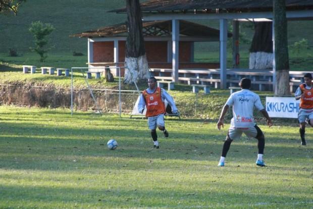 Foto: ARMAÇÃO Danielzinho é o único jogador de criação no meio de campo do Operário e tem a tarefa de municiar o ataque alvinegro hoje