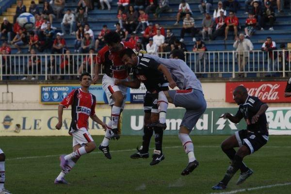 Foto: Em campo, nada de moleza para o Operário e derrota por 2 a 0