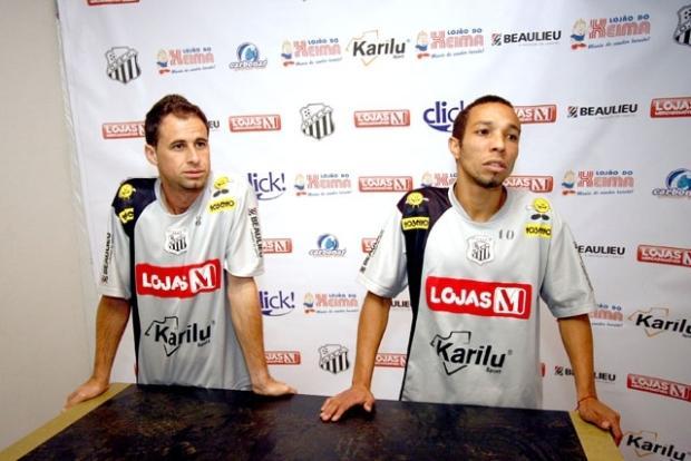 Foto: Rogerinho e Edson Grilo já foram apresentados e dizem estar prontos para aparecer como opção para o jogo de domingo