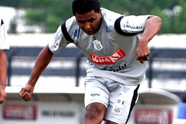 Foto: Baiano quer marcar seu gol após o retorno ao Operário