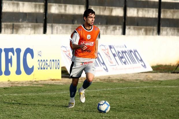 Foto: TITULAR Vinicius deverá ser titular contra o Joinville amanhã