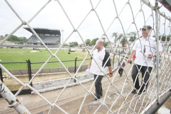 Foto: Mesmo com vistoria mais rigorosa, estádio em Ponta Grossa teve avaliação positiva e deve ser liberado para as disputas do Campeonato Paranaense; Estreia acontece no dia 16 de janeiro