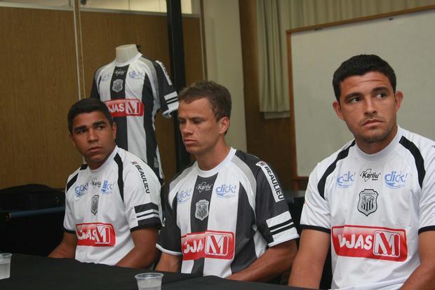 Foto: ROUPA NOVA Operário apresentou ontem camisas que irá usar no Campeonato Paranaense do ano que vem
