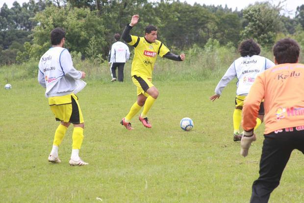 Foto: SAÍDA Até então tido como uma das principais contratações, zagueiro Tinoco não seguirá no clube