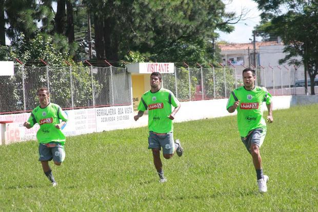 Foto: DE VOLTA Após preparação em cidade vizinha, elenco do Operário voltou a treinar em Ponta Grossa