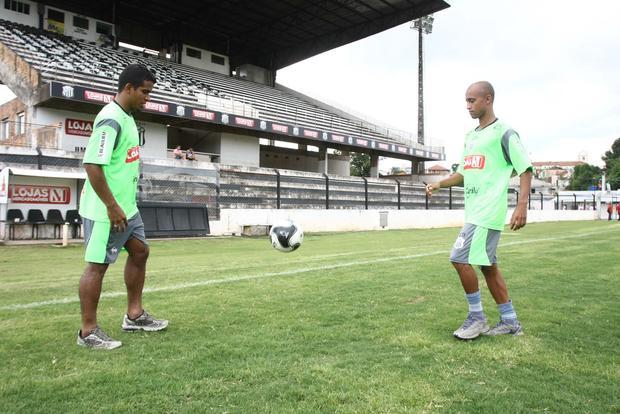 Foto: CHEGADAS Osmar e Arílson foram dois dos reforços que chegaram ontem ao Operário