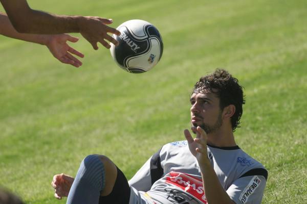 Foto: Zagueiro Vinicius está confirmado entre os titulares do Fantasma para a estreia no Campeonato Paranaense