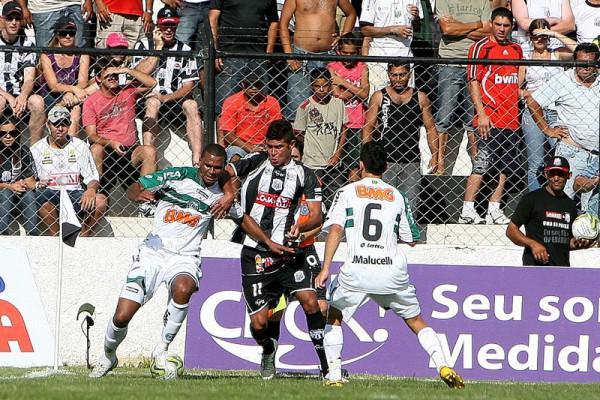 Foto: O Operário teve maior domínio de jogo, mas não concluiu em gol as chances criadas