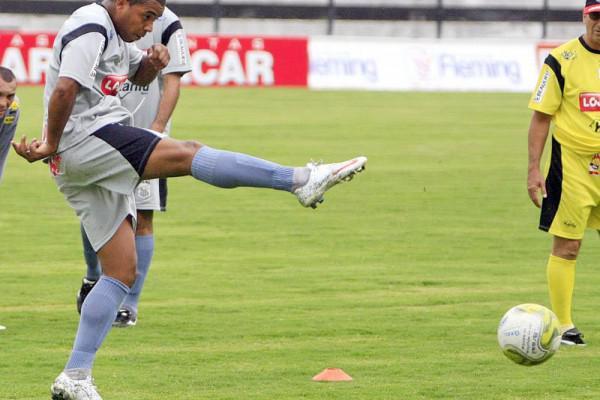 Foto: Hevandro é uma das esperanças de gols do time de Vila Oficinas