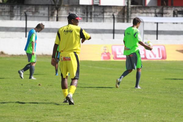 Foto: Técnico Amilton Oliveira assume responsabilidade independente do resultado do jogo de hoje