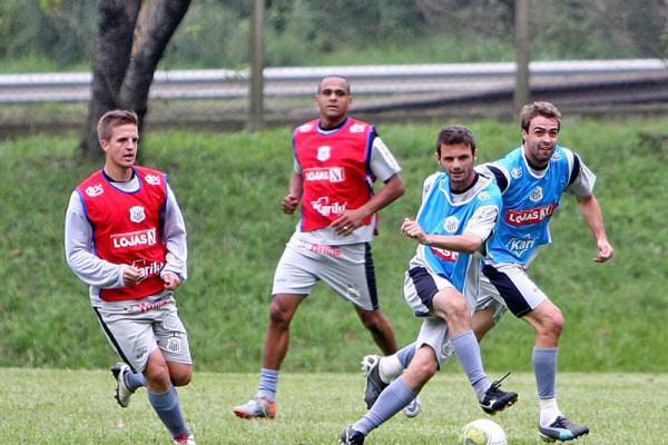 Foto: Jogadores retomaram os treinamentos para o 'duelo de líderes' no domingo