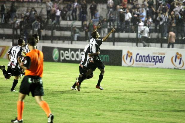 Foto: EMBALADO Vitória sobre o Cascavel firmou Operário como melhor time do interior até agora