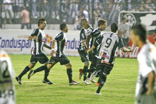Foto: Operário comemora mais três pontos em casa e agora terá que buscar vitórias fora de casa