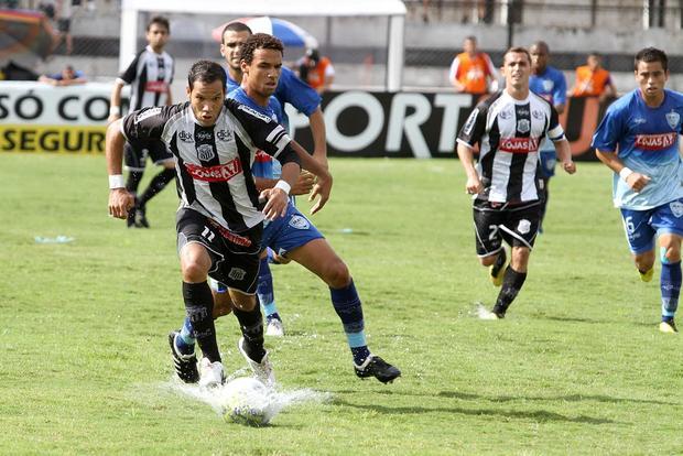 RENOVADO Dhiego Martins é um dos jogadores com contrato com Operário até maio do ano que vem