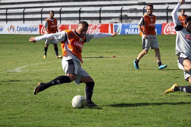 COM CHANCES Operário, de Mateus, enfrenta Iraty no sábado precisando de um empate