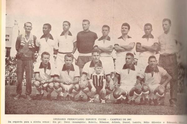 Foto da equipe campeã de 1961, que deixou muita saudade