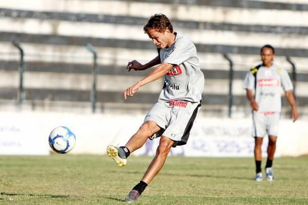 Depois de desfalcar o Fantasma no último jogo devido a uma lesão, Cambará volta ao time titular no domingo