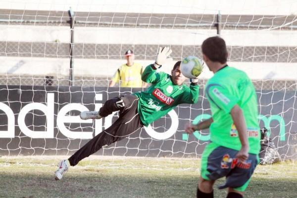 Operário conta com Ivan para ser campeão nas penalidades máxima