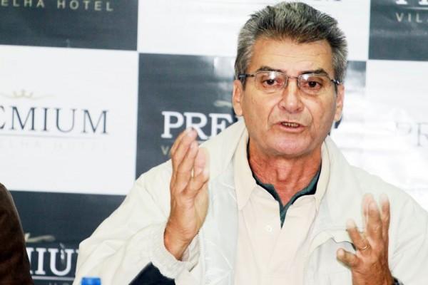 O consultor técnico Jair Pereira revela que vários atletas já foram oferecidos ao Fantasma