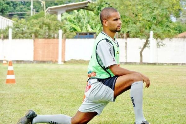Serginho Paulista jogará improvisado na lateral-direita na partida desta noite - Foto: Christian Camargo
