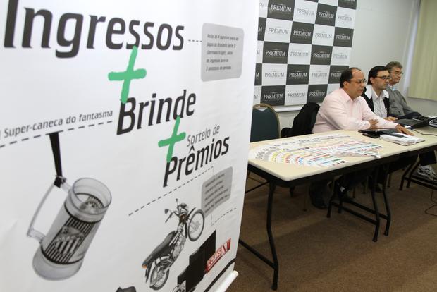 APOIO Direção do Operário lançou ontem pacote para venda de ingressos antecipados dos jogos da Série D - Foto: Fabio Matavelli