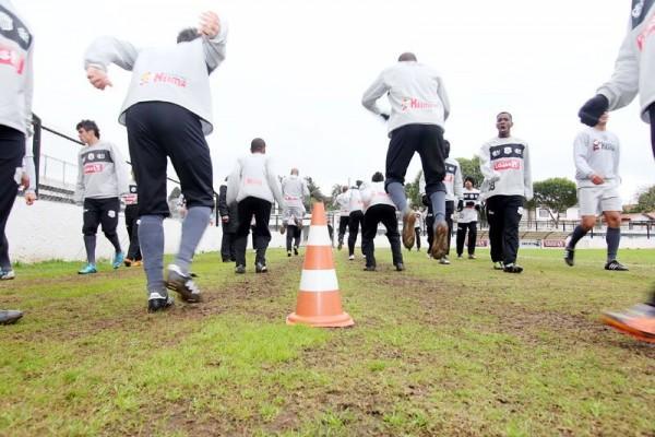 Jogadores do Fantasma treinam forte para conseguir primeira vitória na série D do Campeonato Brasileiro - Foto: Christopher Eudes