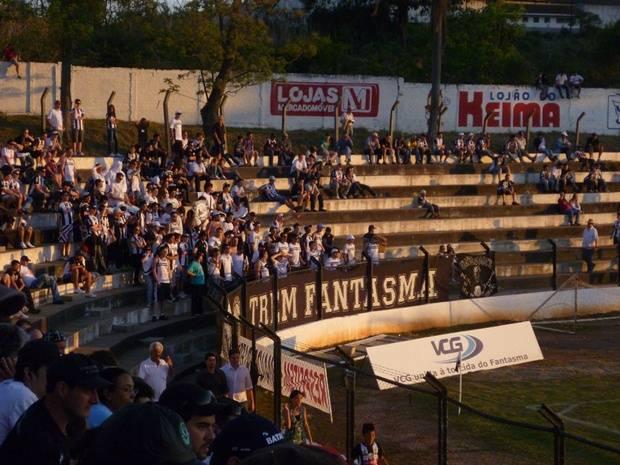 4/9/2011 - Operário 1x0 Cerâmica (RS) - Ponta Grossa - PR