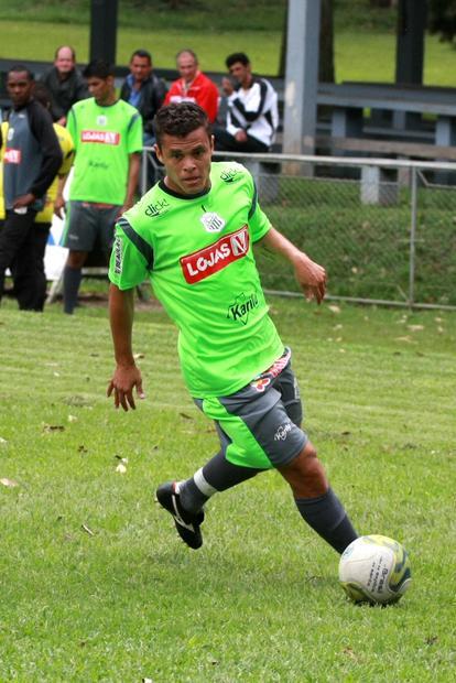 Ceará não acertou ida para o Londrina e pode permanecer no Operário