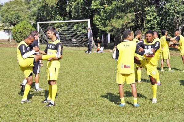 Jogadores fazem treinamentos físicos em Tibagi