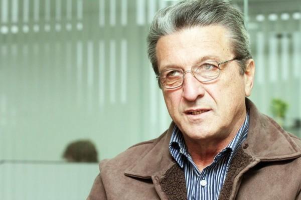 Carlos Roberto Iurk relata que o clube ainda precisa de R$ 50 mil mensais para fechar o orçamento da temporada 2012