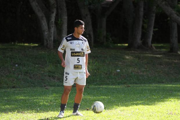 Goiano vem para suprir as ausências de Serginho Paulista e Rodrigo Ribeiro que foram para o Londrina - Foto: Rodrigo Covolan
