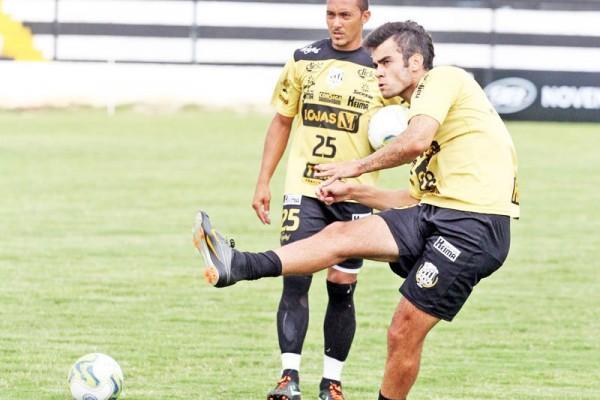 Marcelo está confirmado entre os titulares do Operário para a estreia no Estadual - Foto: Clebert Gustavo