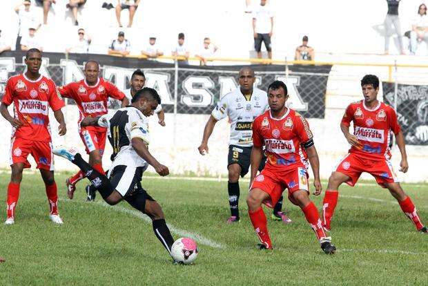 Após empatar com o Paranavaí, Operário já pensa no jogo de amanhã, contra o Atlético-PR - Foto: Luciano Mendes