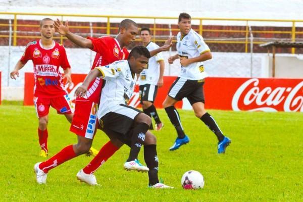 Baiano marcou os dois gols do Operário na partida contra o Paranavaí - Foto: André Veronez - Tribuna do Norte