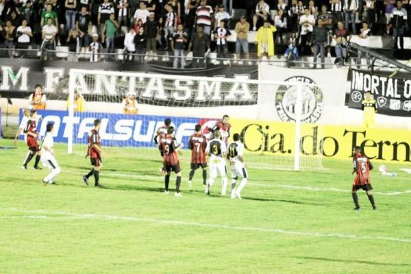 Fantasma foi derrotado, na última quarta-feira, pelo Atlético-PR, em casa, por 1 a 0. Time ainda não venceu no Paranaense - Foto: Christopher Eudes