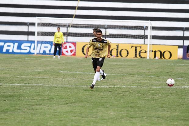 João Paulo  admite que equipe precisa tomar cuidado para não sofrer gols no início da partida - Foto: Fábio Matavelli