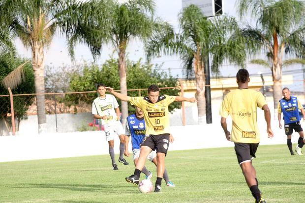 Ceará é um dos retornos confirmados ao time titular diante do Coritiba - Foto: Rodrigo Covolan