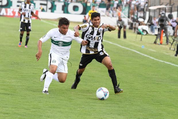 Titular no jogo de quarta, Fabinho (foto) deve dar lugar para o recém-chegado Alex Cazumba diante do ACP Foto: Fábio Matavelli