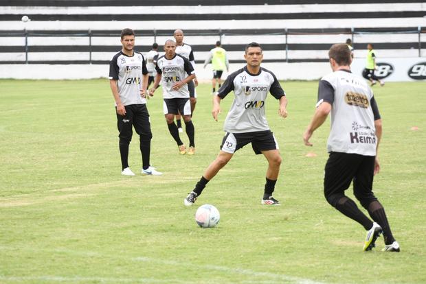 Último trabalho antes da partida aconteceu na manhã de ontem, no Estádio Germano Krüger Foto: Rodrigo Covolan