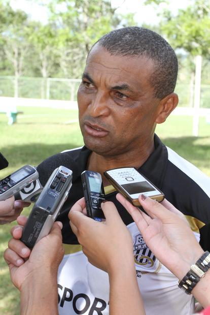 Lio Evaristo terá pouco tempo para montar o time após o jogo contra o 'Jotinha'