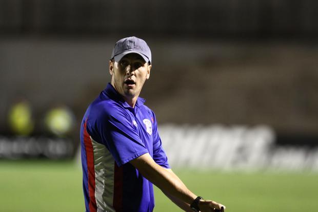 Ex-técnico do Cianorte, Turra foi eleito o melhor técnico do Estadual em 2012 Foto: Geraldo Bubniak / FutebolParanaense.net
