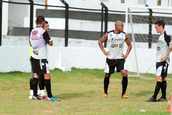 Reinaldo Mineiro estava no futebol chinês e vestirá a camisa do Fantasma em 2013 Foto: Thiago Terada