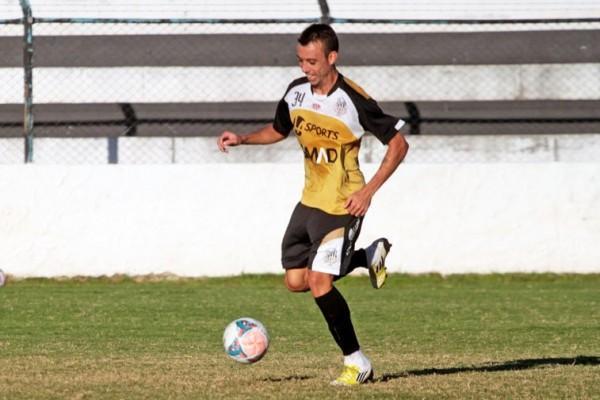 De bem com as redes, Paulo Sérgio foi bastante acionado no treinamento desta quarta-feira Foto: Thiago Terada