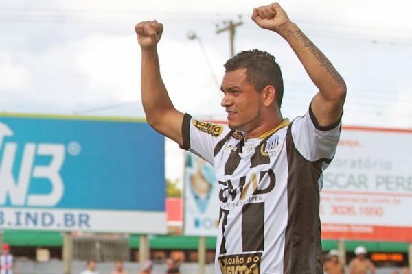 Sandro marcou seu primeiro gol no estadual